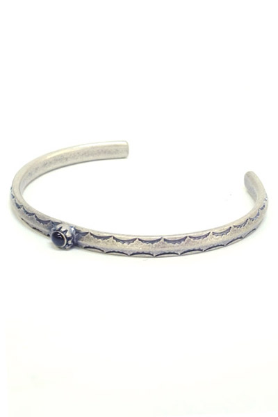 Zephyren METAL BANGLE -HOLLY- ANTIQUE SILVER