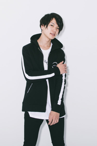 LILWHITE. (リルホワイト) -F/B-ZIP UP HOODIE BLK