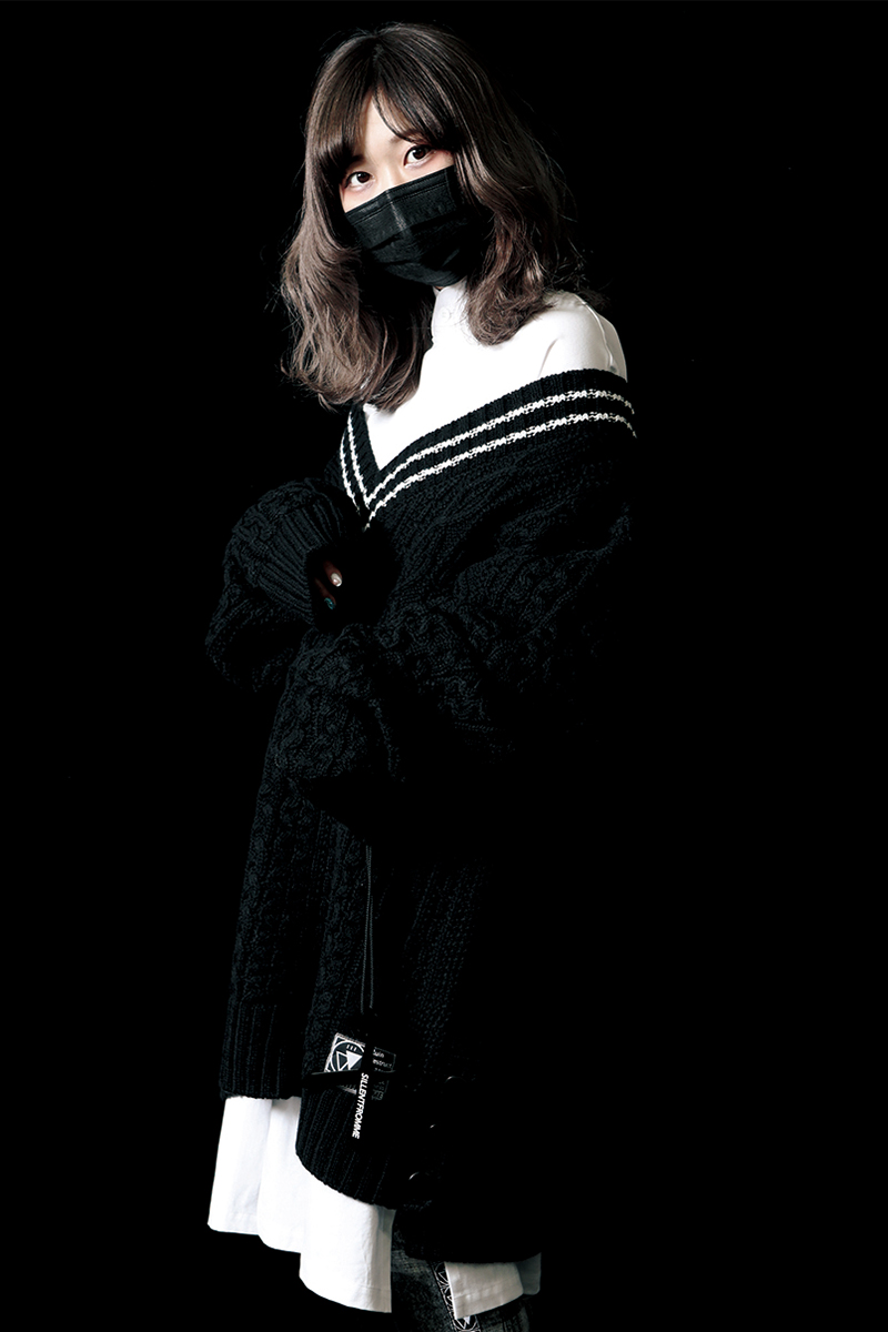 SILLENT FROM ME VEIN -Cable Knit Sweater- BLACK