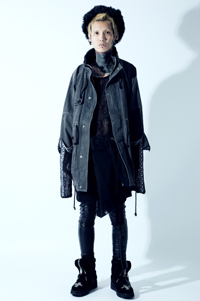 SILLENT FROM ME SHELTER -Stand Collar Coat- BLEACHED BLACK