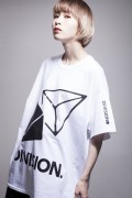 """DI:VISION """"CANDY"""" TEE (WHT)"""
