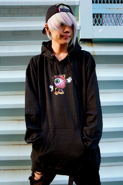 MISHKA(ミシカ) LAMOUR LADY KEEP WATCH PULLOVER HOODIE (BLACK/FL171137PO)