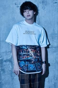 【予約商品】Zephyren(ゼファレン) BIG PHOTO TEE - Decadence - WHITE